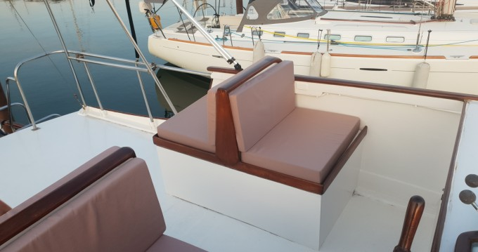 Motorboat for rent Le Cap d'Agde at the best price