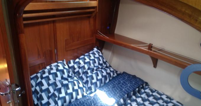 Boat rental Elan Elan 431 in Le Lavandou on Samboat