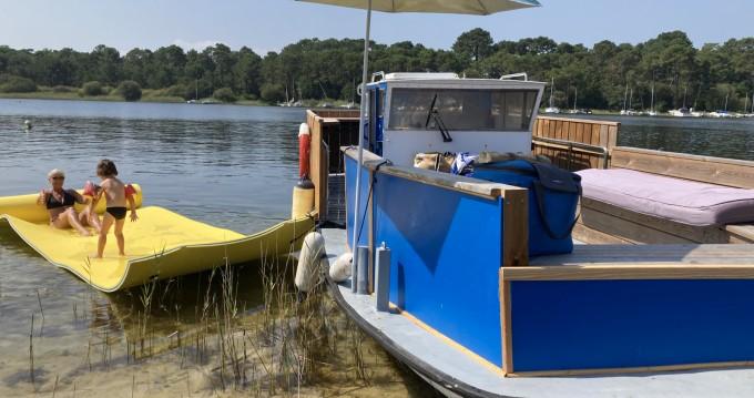Rent a Chantier d'oloron Multi boat Biscarrosse