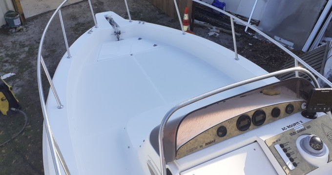 Motorboat for rent Gujan-Mestras at the best price