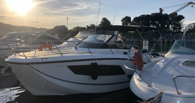 Rent a Quicksilver Activ 875 Sundeck Marseille
