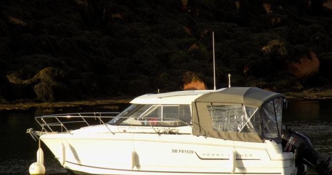 Rental yacht Saint-Quay-Portrieux - Jeanneau Merry Fisher 755 on SamBoat