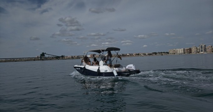 Hire Motorboat with or without skipper V2 BOATS Torrevieja