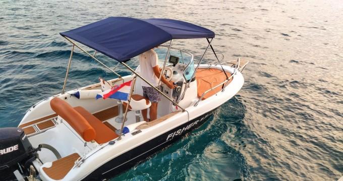 Rental Motorboat in Hvar - Primus marine Fisher 17 Sundeck