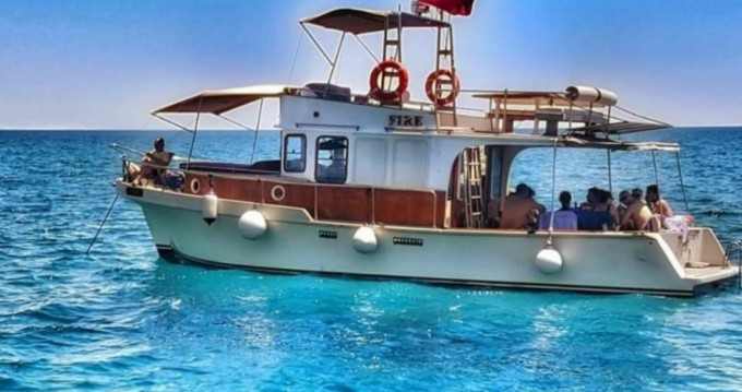 Rental Motorboat in Konyaaltı - Local Production Trawler