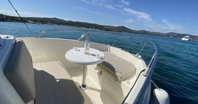 Hire Motorboat with or without skipper Quicksilver Sainte-Maxime