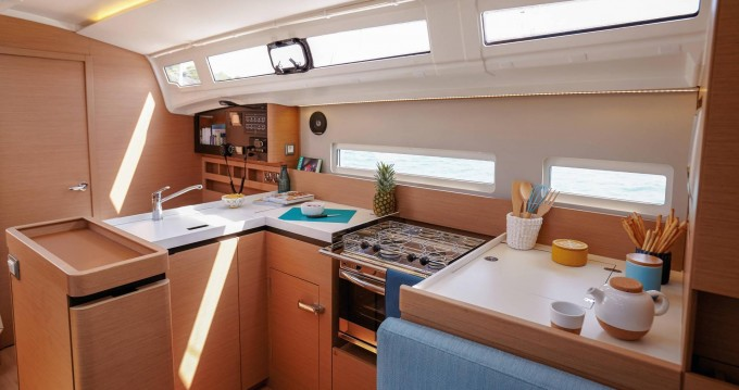 Jeanneau Sun Odyssey 410 between personal and professional Gouvia