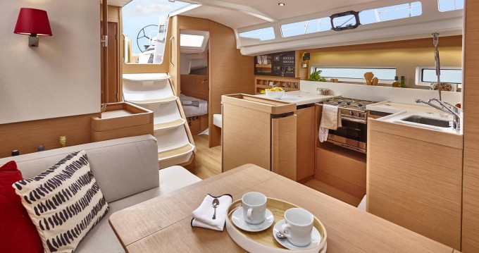 Jeanneau Sun Odyssey 440 between personal and professional Kos