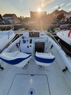 Rental Motorboat in Carnon-Plage - Jeanneau Cap Camarat 695