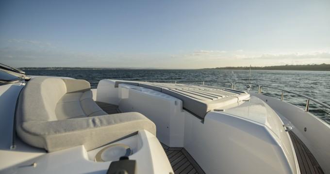 Rent a Sunseeker Yacht 75 Piano di Sorrento