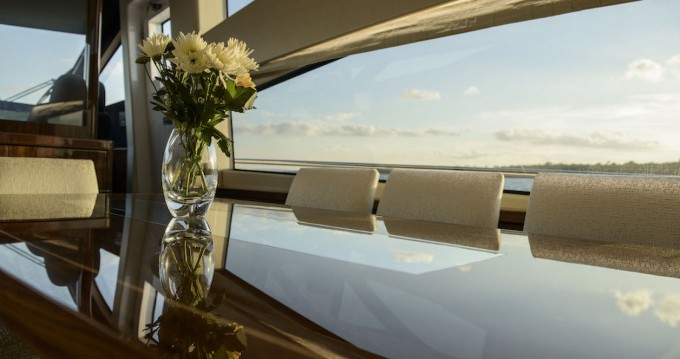 Rental yacht Piano di Sorrento - Sunseeker Yacht 75 on SamBoat