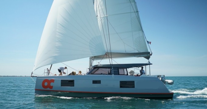 Hire Catamaran with or without skipper Nautitech La Rochelle