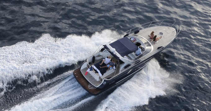 Motorboat for rent Port Grimaud at the best price