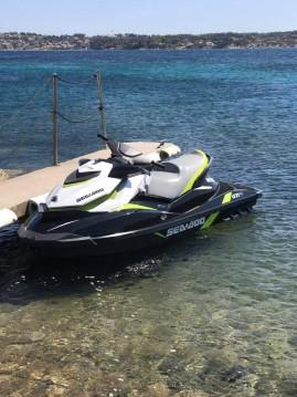 Rent a Sea-Doo GTI SE Fréjus