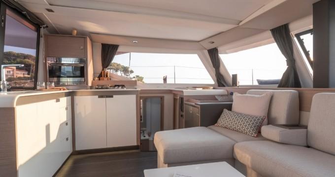Rental Catamaran in Porto de Portimao - Fountaine Pajot Isla 40