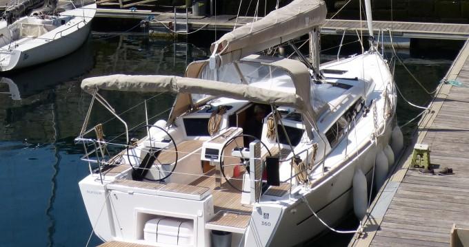 Boat rental Dufour Dufour 360  in Porto de Portimao on Samboat