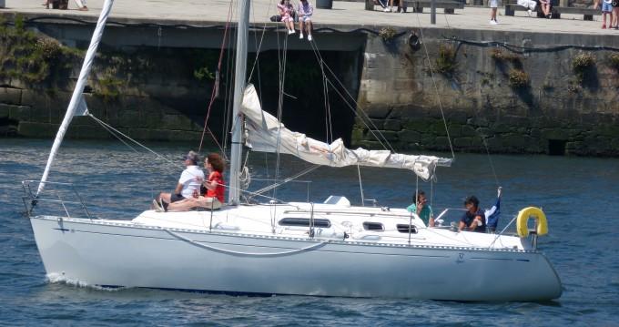 Boat rental Leça da Palmeira cheap Dufour 32