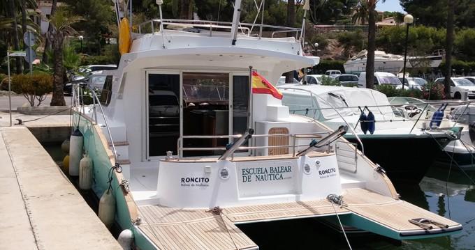 Boat rental Llucmajor cheap Highland 35