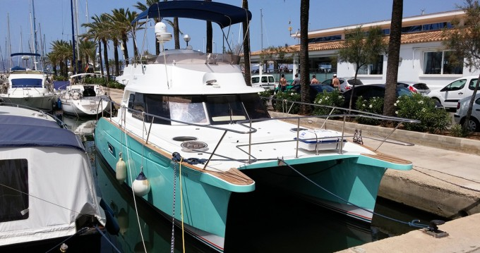 Rental Motorboat in Llucmajor - Fountaine Pajot Highland 35
