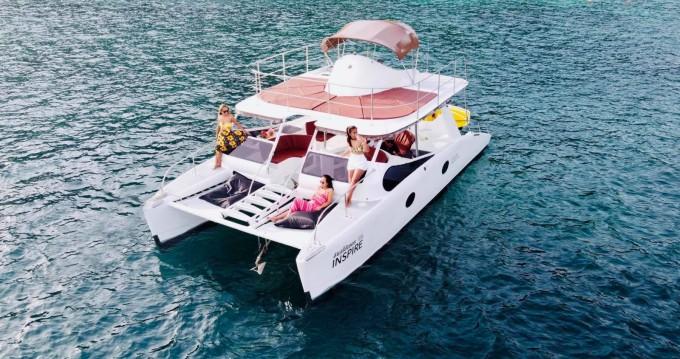 Rental Motorboat in Phuket - Inspire Flybridge