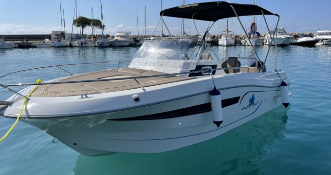 Boat rental Pacific Craft Pacific Craft 700 SC in Nice on Samboat