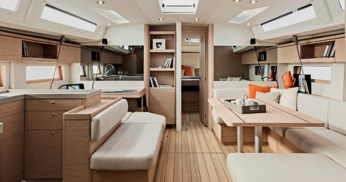 Bénéteau Oceanis 51.1/ 3 cabins between personal and professional Gouvia
