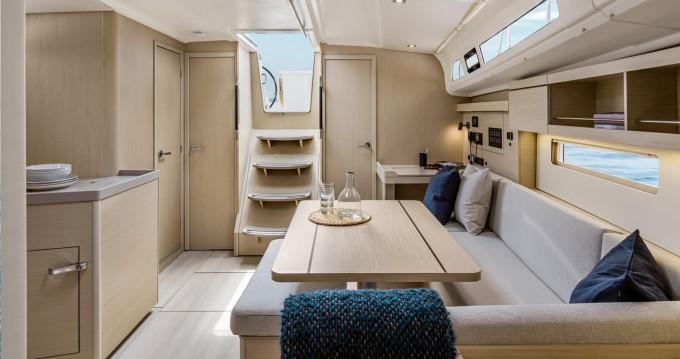 Rental Sailboat in Rhodes - Bénéteau Oceanis 40.1