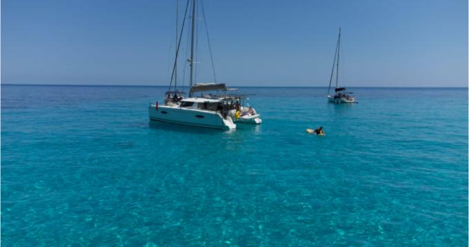 Boat rental Saint Vincent cheap Helia 44