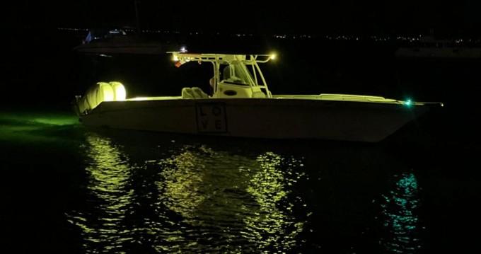 Rental yacht Marigot - Wellcraft Scarab 35 on SamBoat