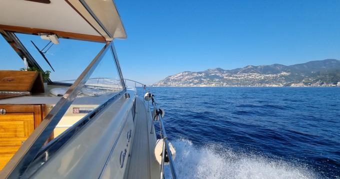 Rental Motorboat in Salerno - Chris Craft Commander 31