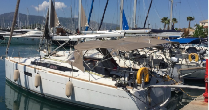 Boat rental Jeanneau Sun Odyssey 349 in Gouvia on Samboat