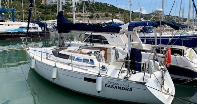 Hire Sailboat with or without skipper Bénéteau Port Ginesta