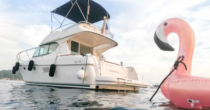 Boat rental Jeanneau Prestige 32 Fly in Nice on Samboat