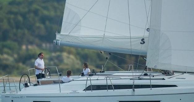 Rental yacht Lefkas Marina - Bénéteau Oceanis 40.1 on SamBoat