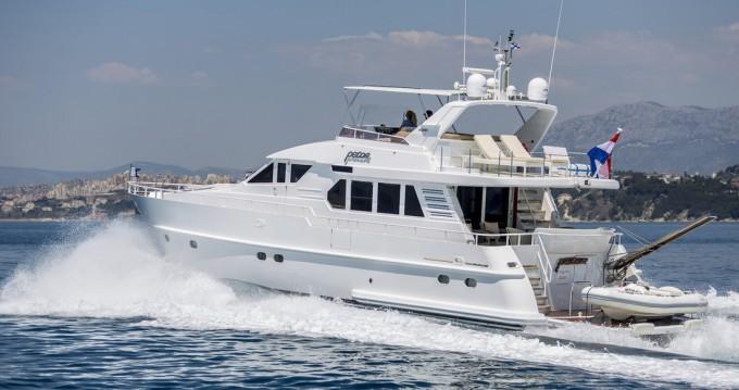 Boat rental Podstrana cheap Moonen 65