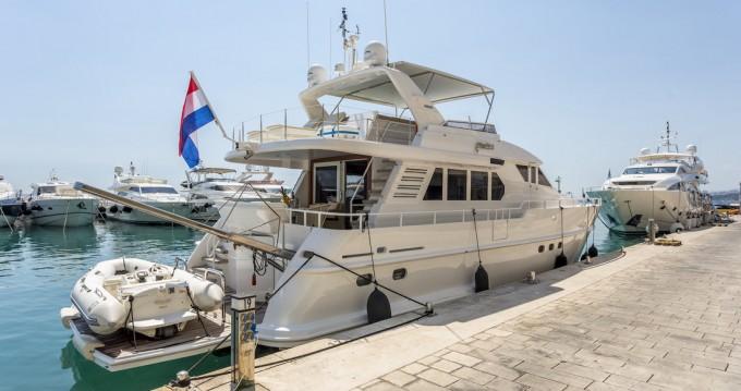 Boat rental Moonen Shipyards Holland Moonen 65 in Podstrana on Samboat