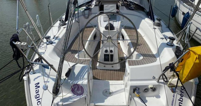 Sailboat for rent Lelystad at the best price