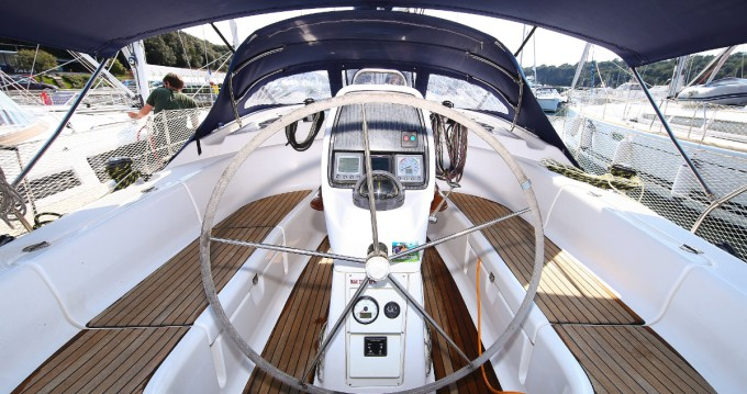 Rent a Bavaria Bavaria 39 Cruiser Pula