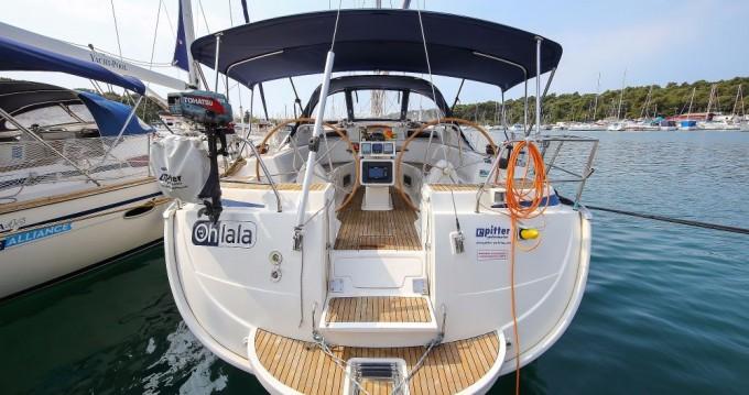 Boat rental Bavaria Bavaria 40 Vision in Pula on Samboat
