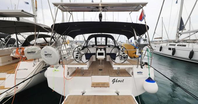 Boat rental Bavaria Bavaria C38 in Biograd na Moru on Samboat