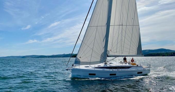 Rental yacht Pula - Bavaria Bavaria C42 on SamBoat