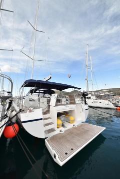 Rental yacht Biograd na Moru - Bavaria Bavaria C57 Holiday on SamBoat