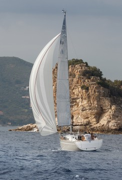 Rental Sailboat in Jezera - Bavaria Cruiser 33