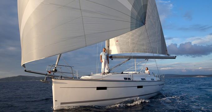Rental Sailboat in Lelystad - Bavaria Cruiser 36