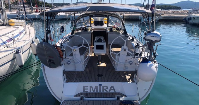 Bavaria Cruiser 37 between personal and professional Jezera