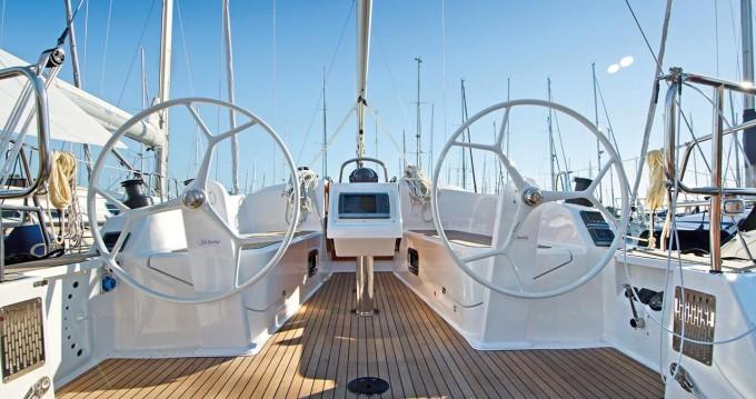 Boat rental Bavaria Bavaria Cruiser 37 Style in Trogir on Samboat