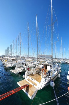 Rental Sailboat in Biograd na Moru - Bavaria Bavaria Cruiser 40 S