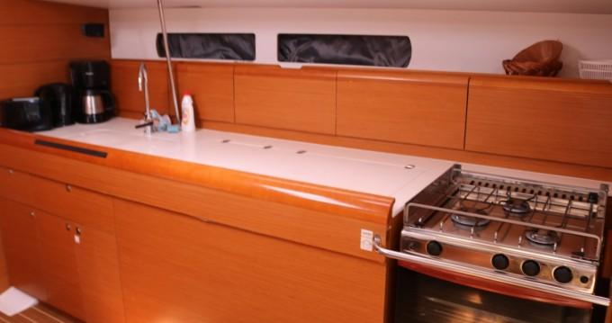 Rental Sailboat in Portocolom - Jeanneau Sun Odyssey 469