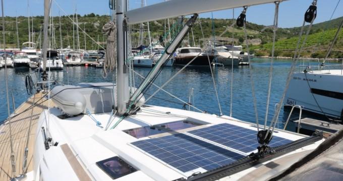 Rent a Jeanneau Sun Odyssey 469 Portocolom