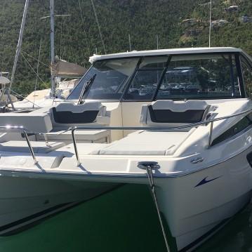 Rental Motorboat in Marsh Harbour - Aquila Aquila 36